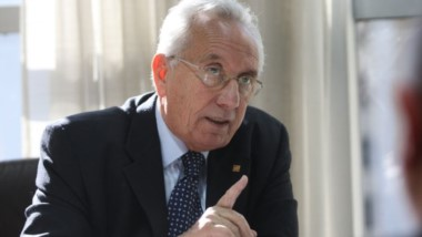 """""""Es lamentable que el Gobierno no tenga respuestas para los trabajadores despedidos"""", cuestionó en un comunicado la bancada que encabeza Héctor Recalde."""