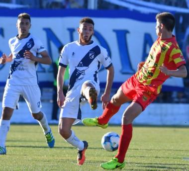 Mosca en acción en el último partido de Brown como local ante Boca Unidos. No pudo quebrar al equipo correntino y se quedó sin el ascenso.