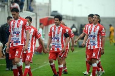 Atlético Paraná perdió ante Ferro y se despidió de la Primera la B Nacional.