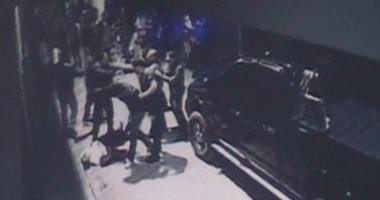 Las escenas crudas del hecho fueron capturadas por cámaras de seguridad de la Asociación Italiana local.