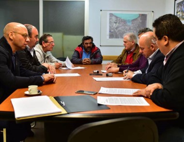Contratos. Se firmaron los acuerdos para la obra del frente costero.