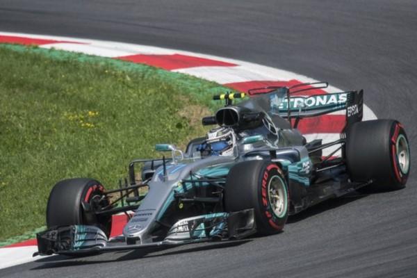Bottas se hace con su segunda pole position y Hamilton tendrá que remontar.