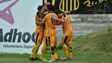 Romero de penal marcó el solitario gol en Santiago para el elenco de Sialle.