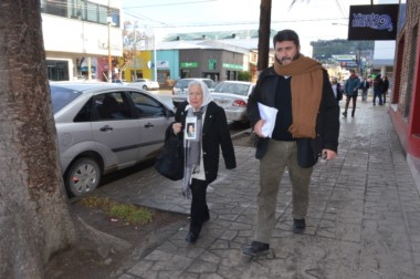 Nora Cortiñas y Roberto García, de la Comisión por la Memoria