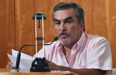 Villarroel dijo que la norma debería aplicarse también en el sector privado.
