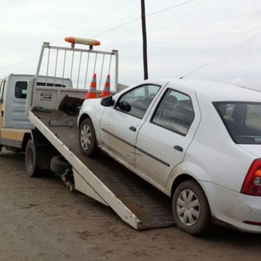 Así se llevaban al vehículo luego de que detectaran la acloholemia.