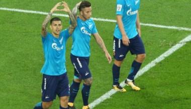 Paredes celebra su gol. A su izquierda, Driussi.