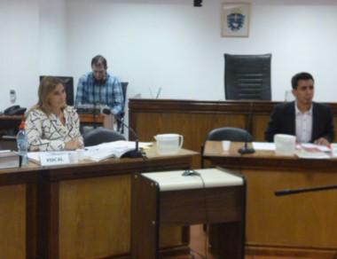 La fiscal de Sarmiento, Andrea Vázquez lleva adelante la acusación.