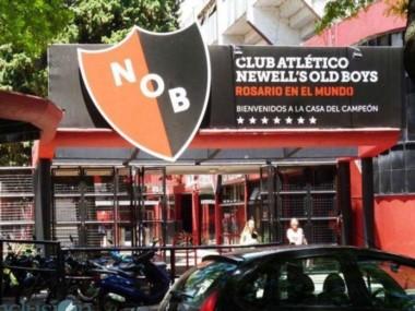 La CD de Superliga busca una solución para que Newell's pueda pagar los salarios de junio y comenzar a competir.