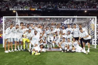 Zinedine Zidane llega a 7 títulos obtenidos al mando del Real Madrid e iguala el tercer puesto histórico del club.