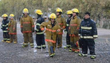 Dolavon. Los bomberos brindarán hoy el curso de primeros auxilios.