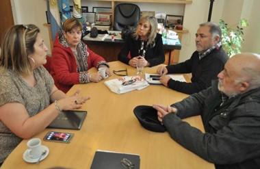 El encuentro se llevó a cabo en el despacho municipal, a 45 años del hecho.