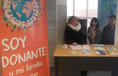Las mesas se establecen en la Terminal de Ómnibus,  en el Hospital Zonal y en  los supermercados La Anónima.