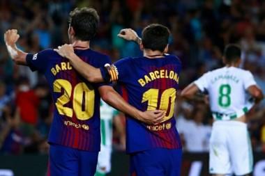 Barcelona venció a Betis 2-0 en el arranque de la Liga Española con goles de Tosca en contra y Sergi Roberto.