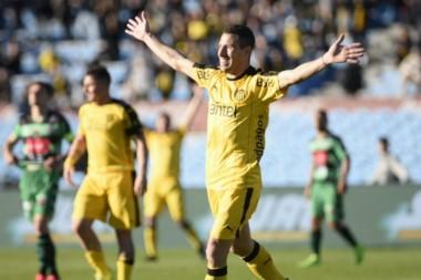 El ex Newell's debutó con un gol en Peñarol en el inicio del torneo uruguayo.