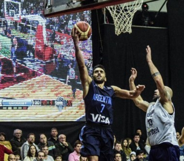La Selección Argentina venció a Uruguay 92-74 en el segundo partido del Super 4 de Salta. Laprovíttola aportó 20. Mañana juegan ante Brasil.
