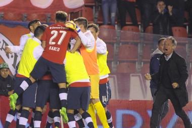Independiente comenzó la Superliga con un gran triunfo ante Huracán.