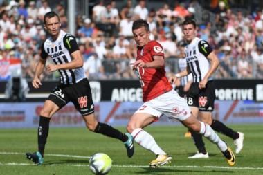 No puede ganar el equipo de Marcelo Bielsa, Lille igualó 1-1 ante Angers y suma 4 puntos en misma cantidad de partidos.