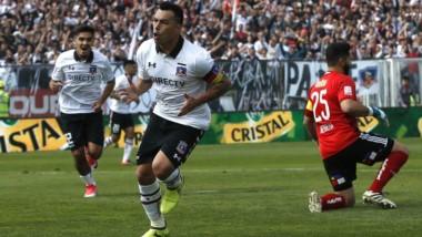 """""""Hat-trick"""" de Paredes en la goleada de Colo Colo sobre la Universidad de Chile."""