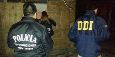 Aquel allanamiento. La noche que la Policía chubutense detectó la casilla y rescató a las tres nenas.