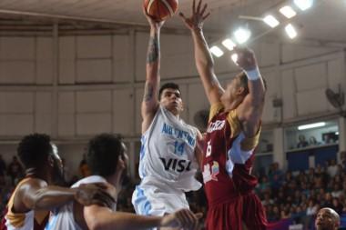 Argentina lo dio vuelta y se lleva la victoria frente a Venezuela por 67-62.
