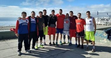 """Los muchachos en Madryn. Ferro completó su plantel y arrancó las prácticas en el """"Mariano Riquelme""""."""