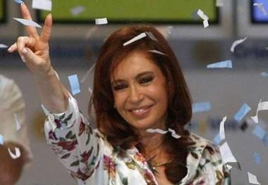 Confiada en haber finalmente pasado al frente en la provincia, Cristina Kirchner hablará este miércoles a las 18:00 desde el escenario central del estadio de Atenas.