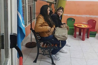 La protagonista. Celeste Campillay asiste al turno noche del Colegio Cervantes de Comodoro Rivadavia.