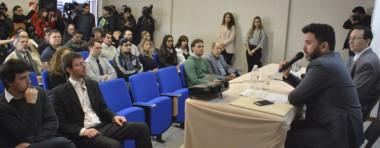 La presentación del ministro de Producción junto al intendente Maderna ayer en Trelew.