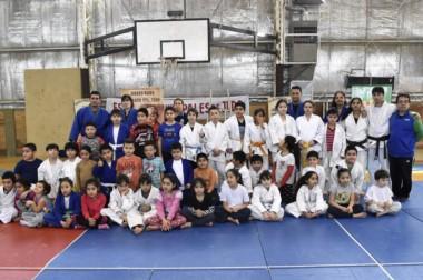 El Gimnasio Municipal Nº 2 de Comodoro Rivadavia fue sede de un exitoso encuentro infantil de Judo .
