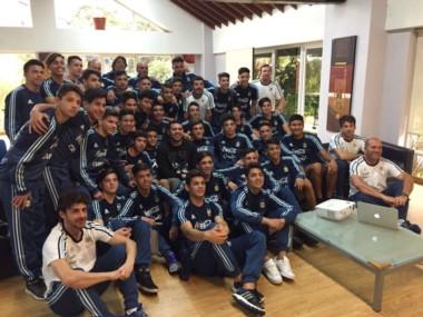 Riquelme estuvo con los chicos del Sub 15 y Sub 17 del seleccionado argentino.