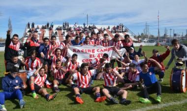 """Cuarto al hilo para la """"Academia"""". Racing Club superó a Huracán por 3-0 en el Cayetano Castro y logró un nuevo título en Séptima División."""