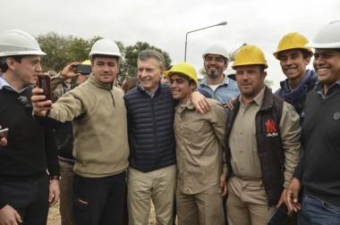 El presidente Macri inauguró obras junto a parte de su gabinete y la gobernadora Claudia Ledesma Abdala.