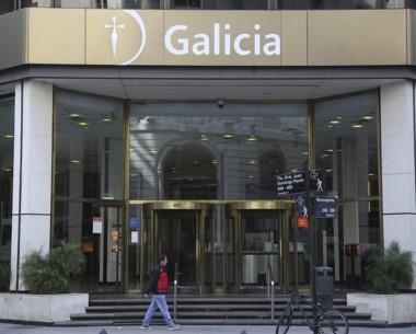 La casa central de Banco Galicia fue allanada por orden de Bonadio.