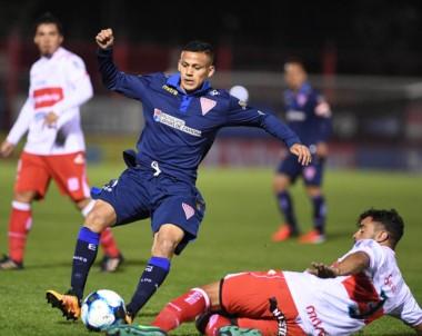 En Lomas de Zamora, Los Andes y Morón empataron 0 a 0.