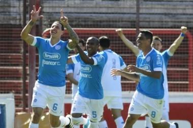 Lema festeja su gol. Belgrano lo dio vuelta y le ganó 2-1 a Argentinos de visitante.