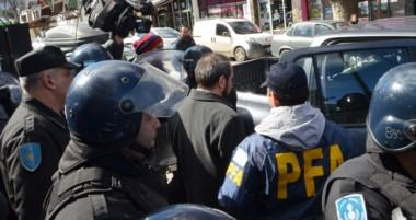 El juez federal Guido Otranto sigue siendo fuertemente custodiados por efectivos de la Policía Federal.