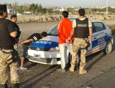 La Policía Montada madrynense aprehendió a dos sujetos en esa ciudad