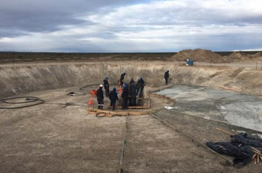 Las bases. Los trabajadores preparan el terreno para poder colocar los molinos en los próximos días.