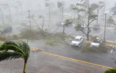 Puerto Rico lleva 11 años en recesión y ahora no tiene electricidad por el huracán María.