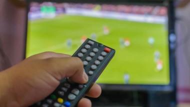 El fútbol, para aquellos que están abonados al cable, seguirá gratis hasta el 31 de octubre. Lógico es que el periodo incluye elecciones.