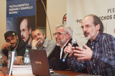 La disertación de Diego Hurtado fue acompañada por un importante grupo de personas.