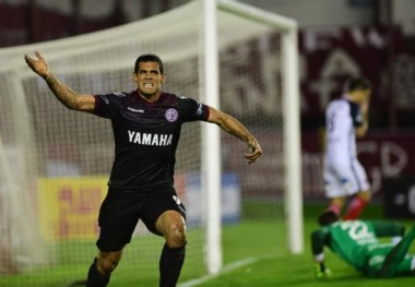 Lanús llega de eliminar a San Lorenzo por penales en la Copa Libertadores.
