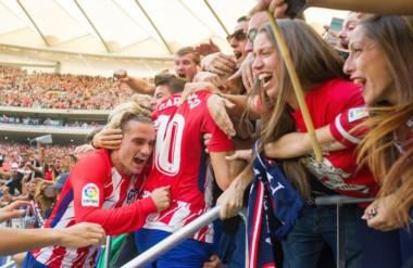 Los goles de Carrasco y Griezmann le dieron el triunfo al Atlético Madrid.