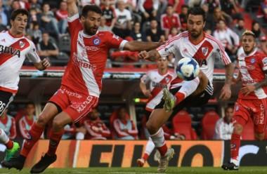 En el torneo, River viene de empatar en el Monumental con Argentinos Juniors.