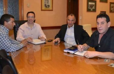 El intendente de Trelew junto a los miembros del Consejo de Bienestar y de la Agencia de Seguridad local.