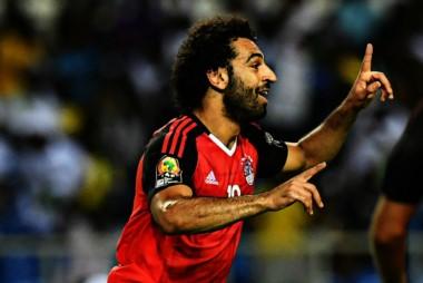 Egipto, con gol de Salah, derrotó 1-0 a Uganda y es líder, con 9 puntos, del grupo E de las Eliminatorias de África.