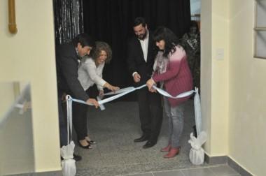 Ivonne Iralde, directora de la obra salesiana, participó del tradicional  corte de cintas en la inauguración.