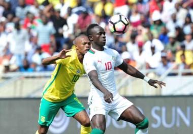 FIFA ordenó la repetición del partido entre Sudáfrica (2) v Senegal (1) porque el árbitro manipuló el resultado.