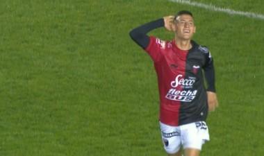 Colón llega de vencer a Arsenal en Sarandí, con gol del juvenil Chancalay, una promesa.